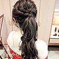 中馬尾髮造型