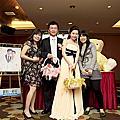 鎗泉與華妮結婚
