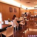 106.06.19UINN Relax Hotel 悠逸休閒旅館 主題跑車親子房
