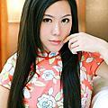 李毓芬穿「透視」白紗 絕美照超浪漫