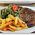 2011義法之旅Day8~亞爾勒午餐Fnack Bar Le Famtourin