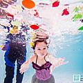 水中寶寶照