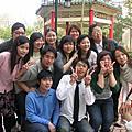 3/5/2006   學士服團拍~