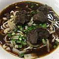 台南美食-鄉野手工拉麵cp值高偏粗麵條滷菜好吃豆干入味拉麵和乾麵份量都給很多滷味推