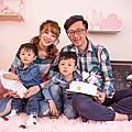 台中抓週推薦-俐蓓爾攝錄影工作室淬兒影像台中抓周拍照家庭照攝影中國風傳統抓周全家福、孕婦寫真、寶寶攝影、形象照、專業照