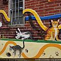 虎尾屋頂上的貓