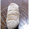 1011017 全麥橄欖油堅果麵包