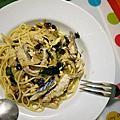 1021110 奈潔拉試做鯖魚,松子和葡萄乾義大利麵