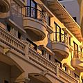 【高雄電梯別墅】千姿百態的「凡爾賽-晚間的特殊風情」
