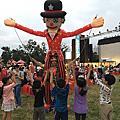 高雄紙風車劇團暖場活動-超大充氣小丑遊行互動拍照