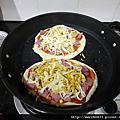 用平底鍋烤PIZZA。失敗~