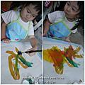 [玩畫畫] 水彩、大印台、蠟筆--蜜蜂的家~