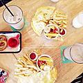【台中北屯美食】包旺家BOWWOW+友善寵物餐廳美味早午餐、下午茶,芙浪曲吐司、燻雞歐姆蛋、德式香腸歐姆蛋、約克夏奶茶、酥炸洋蔥圈~份量十足好滿足♥