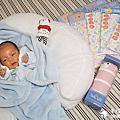 2017-02-13-1|【寶寶好物。BabyTalk】精緻可愛新生兒用品分享|繽紛水果貓精梳棉嬰兒紗布衣,粉色猴子奶粉分裝盒方便不殘粉!