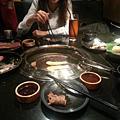 台北好吃燒烤店 七條龍炭火燒肉(台北微風店)