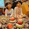 2011/2家琳與同學及妹慶生