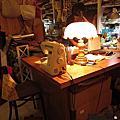 小樹的家繪本咖啡輕食/小花花手作雜貨 via 手作橡皮雕刻—格林童話接力賽