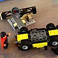 2013 LEGO 76002