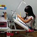 樂學兒童成長書桌椅 - 趙又潔 Yumi