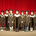 台大會計  畢業 。