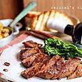 【書】「休日好食光」&「小家微食堂」自家餐桌上的牛排們。