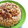 【台北美食】許記 15元油飯、雙管麵線、臭豆腐-熱鬧市區裡絕無僅有的15元油飯美食