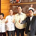 20120330朱立倫市長參觀鮮芋仙