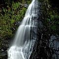 瀑布流水溪石之戀