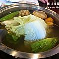 11-07玉鑫帝王蟹鍋物。日文班同學中午的美食大餐