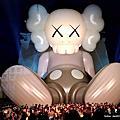 2019.01.26    中正紀念堂 KAWS Holiday 大型戶外藝術展台北站