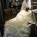 新娘分享婚紗照側拍 我怎麼沒畫妝