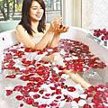林美貞40歲辣媽泡玫瑰浴