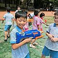 夏天囉!2班4班聯合歡樂打水仗!