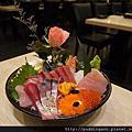 魚霸(內湖店) Fishbar 超驚人大碗公海鮮霸氣蓋飯 每日新鮮直送好好吃呀~