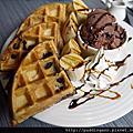 希羅斯咖啡 永康2號 真材實料手工鬆餅吃得到巧克力的感覺好幸福呀~
