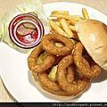 Judy's 茱蒂漢堡 超犯規花生醬 新店美食家庭風美式餐廳
