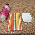 【蘋果麻說故事】來玩小科學吧!!◆跳舞的紙片(摩擦靜電) & 水杯噴霧器◆