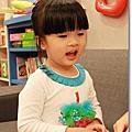 小妞三歲生日趴踢