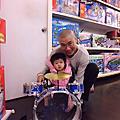 史小妞 玩具反斗城初體驗