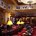 巴黎以書香為主題的CAFE