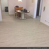 風格木地板*2013*北市天母木地板直鋪施工送黑色靜音墊*髒亂難整理的塑膠地板是該給他換成木地板了*美國篇/品名:鹿特丹(淺灰)/超美的同步木紋&無接縫設計/強化海島型超耐磨木地板!相簿封面