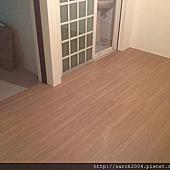 風格木地板*2014*宜蘭區木地板架高施工*套房出租使用超耐磨木地板架高*卡本特系列/品名:里約/手刮浮雕(直紋褐色)/無接縫設計/低甲醛海島型超耐磨木地板-熱賣商品!相簿封面