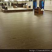 風格木地板-2015-小巨蛋健身房60坪直鋪木地板施工/名稱:紫檀木(麻面系列)海島型超耐磨木地板/手刮浮雕超耐磨木地板直鋪特價每坪2000元施工到好唷!相簿封面