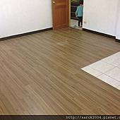 風格木地板-2015-中和區木地板平鋪施工*品名:歐洲山胡桃(海島型超耐磨木地板)/手刮浮雕超耐磨木地板直鋪每坪施工到好2000元!木地板特價中!相簿封面