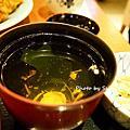 12/30/2012 紅通通韓味辣雞。麻布茶坊阪急店