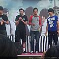 2011.08.07東城衛-WakeMeUp簽唱會-台中廣三