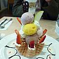 2009.11.05 Haagen-Dazs威秀店 with鼎