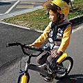 翔翔 - 衛武營騎腳踏車