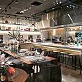 HOLA Kitchen  在玻璃屋裡學作菜好浪漫