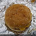 08 吃fiveguys 起司漢堡 蠻不錯吃!